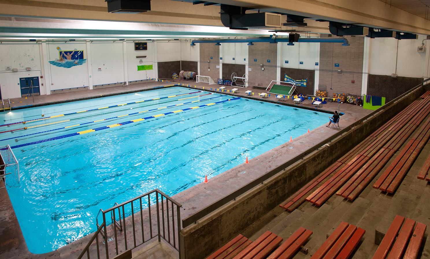 Lung Injury Reported From Pool Chlorine Leak